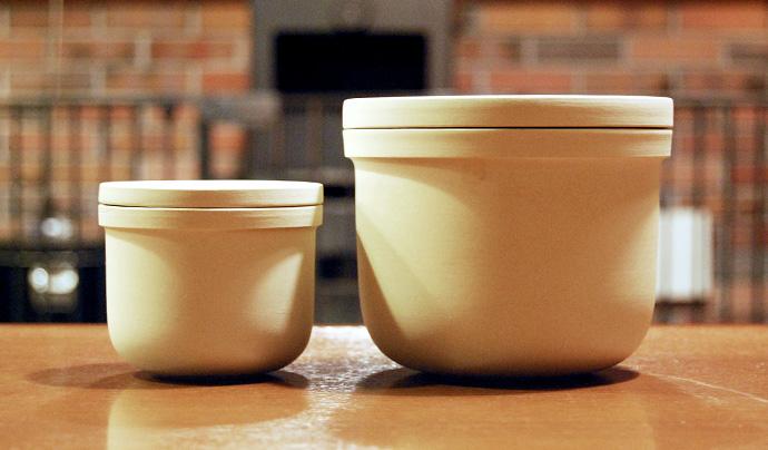 陶器製のコーヒー豆保存容器