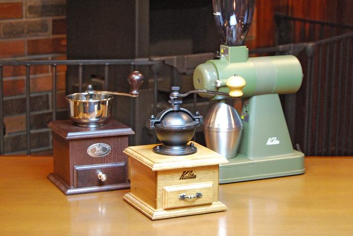 手動コーヒーミルと電動コーヒーミル